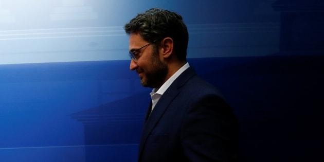 La primera crisis de Sánchez: la dimisión del ministro más breve, un fraude fiscal y la presión del partido y Twitter