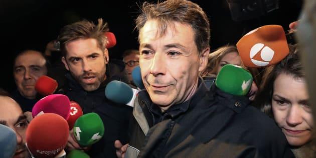 Ignacio González sale de la cárcel de Soto del Real tras abonar 400.000 euros de fianza