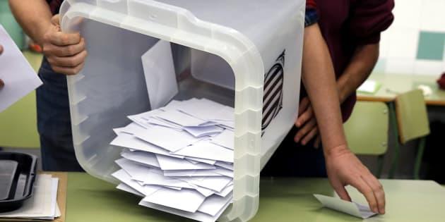 Después de un referendum de cartón piedra