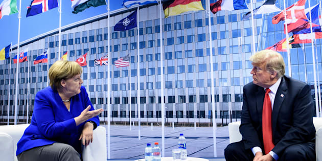 Trump asegura que mantiene una relación estupenda con Merkel