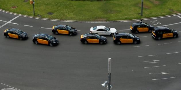 Uber y Cabify llevarán matrículas que las diferencie de los taxis