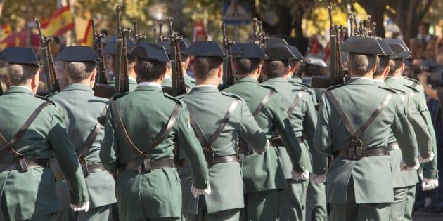 La inaudita respuesta de la Guardia Civil a un usuario que los insultó en Twitter: Vendepatrias