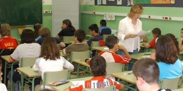 Un colegio concertado exige a sus profesoras vestirse con pudor y modestia (SÍ, EN 2018)
