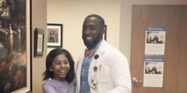 El inspirador motivo por el que este neurocirujano infantil baila con sus pacientes
