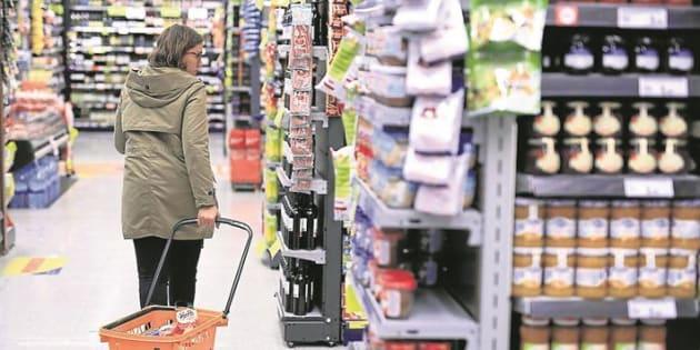 La OCU denuncia que la mayoría de los supermercados 'online' no informan bien sobre los alimentos que venden
