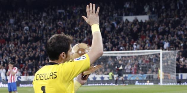 Ovación unánime a Casillas por lo que dice de Ronaldo en un tuit de despedida