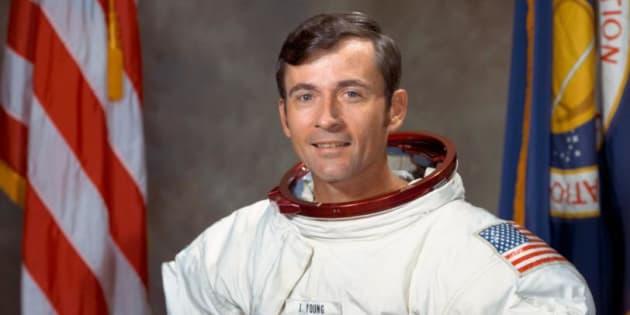 Muere John Young, el noveno hombre en pisar la Luna