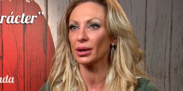 Esta mujer dice en 'First Dates' que tiene 36 años y se desatan las bromas en redes