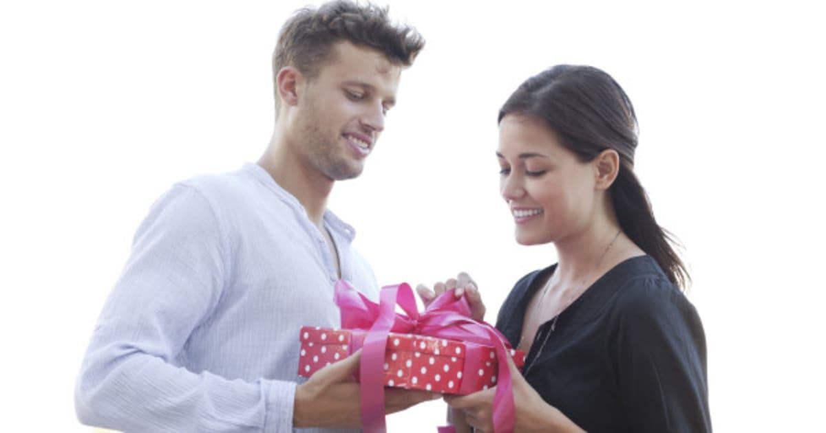 Как принять подарок от девушки 431