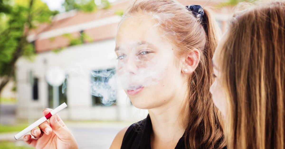 smoking among teenagers