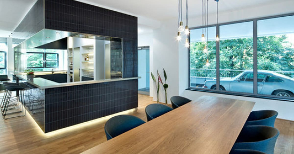 das auto im wohnzimmer parken diese garagen machen 39 s m glich. Black Bedroom Furniture Sets. Home Design Ideas