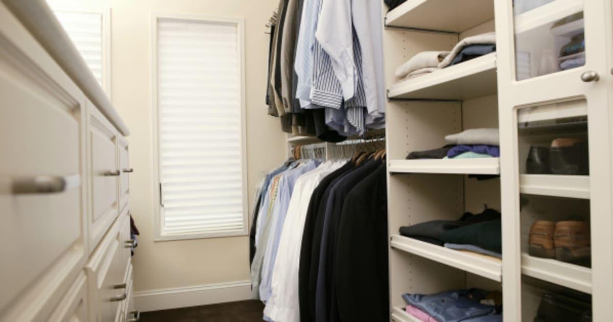wie sie ihren kleiderschrank perfekt organisieren. Black Bedroom Furniture Sets. Home Design Ideas