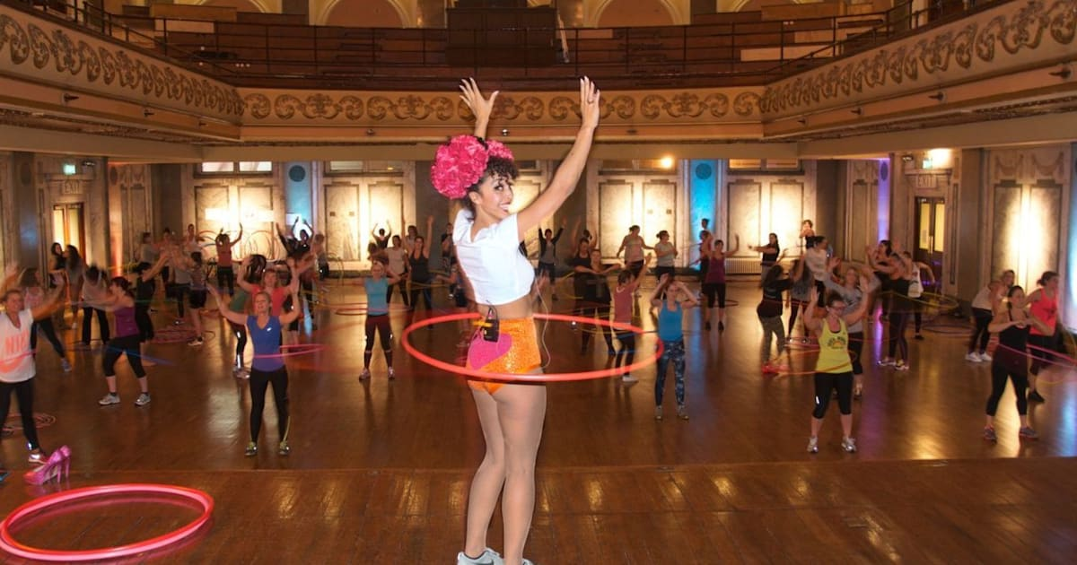 tried and tested hula hoop exercise class burn calories. Black Bedroom Furniture Sets. Home Design Ideas