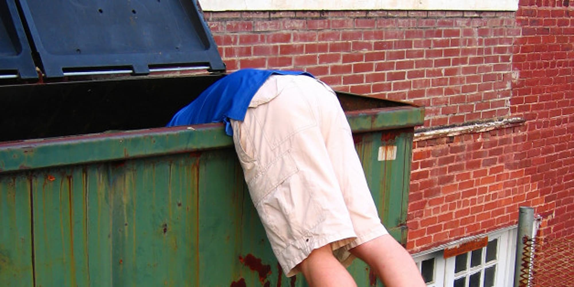 dumpster diving should be legal