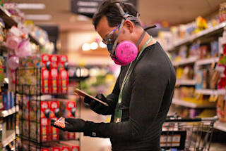 Many Instacart shoppers still don't have their COVID-19 safety gear