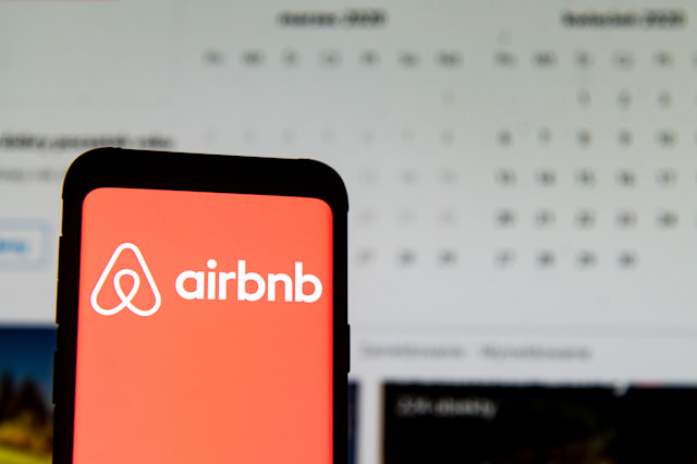 POLAND - 2020/03/23: In this photo illustration an Airbnb logo seen displayed on a smartphone. (Photo Illustration by Mateusz Slodkowski/SOPA Images/LightRocket via Getty Images)