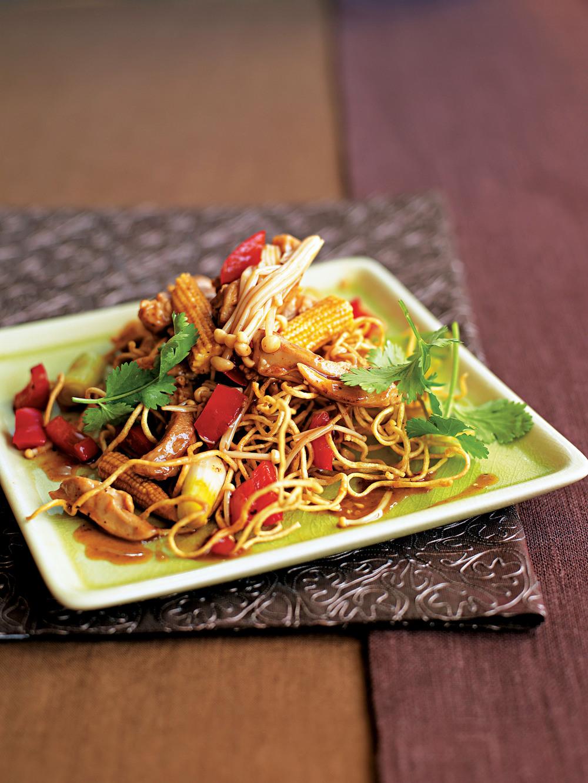 Chicken & Vegetable Fried Noodles - AOL Living UK