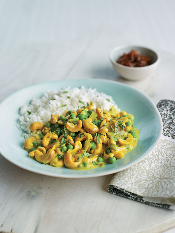 Lime Leaf & Cashew Nut Curry - AOL Living UK