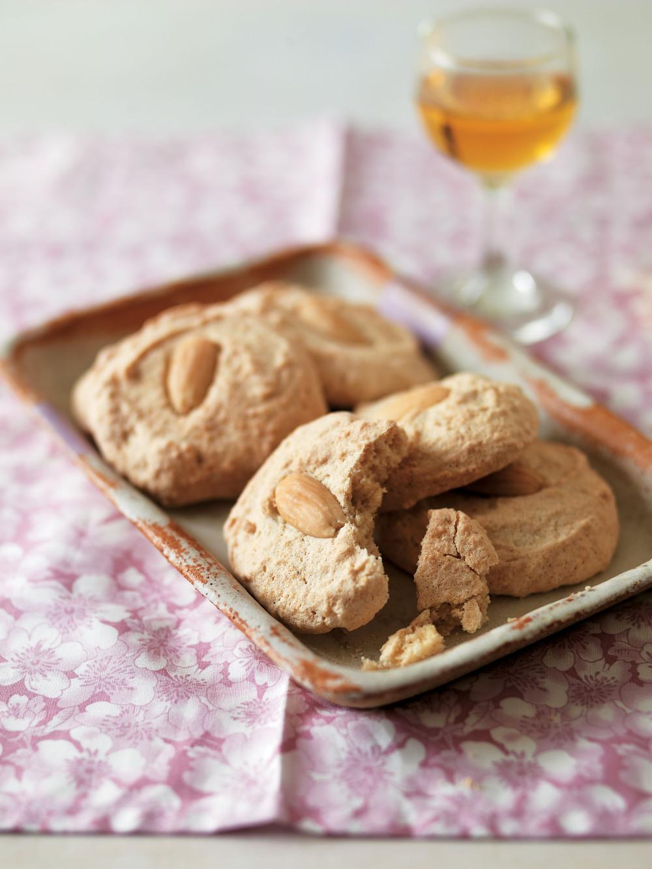 Easy Almond Macaroons recipe Almond Macaroons Recipe Uk