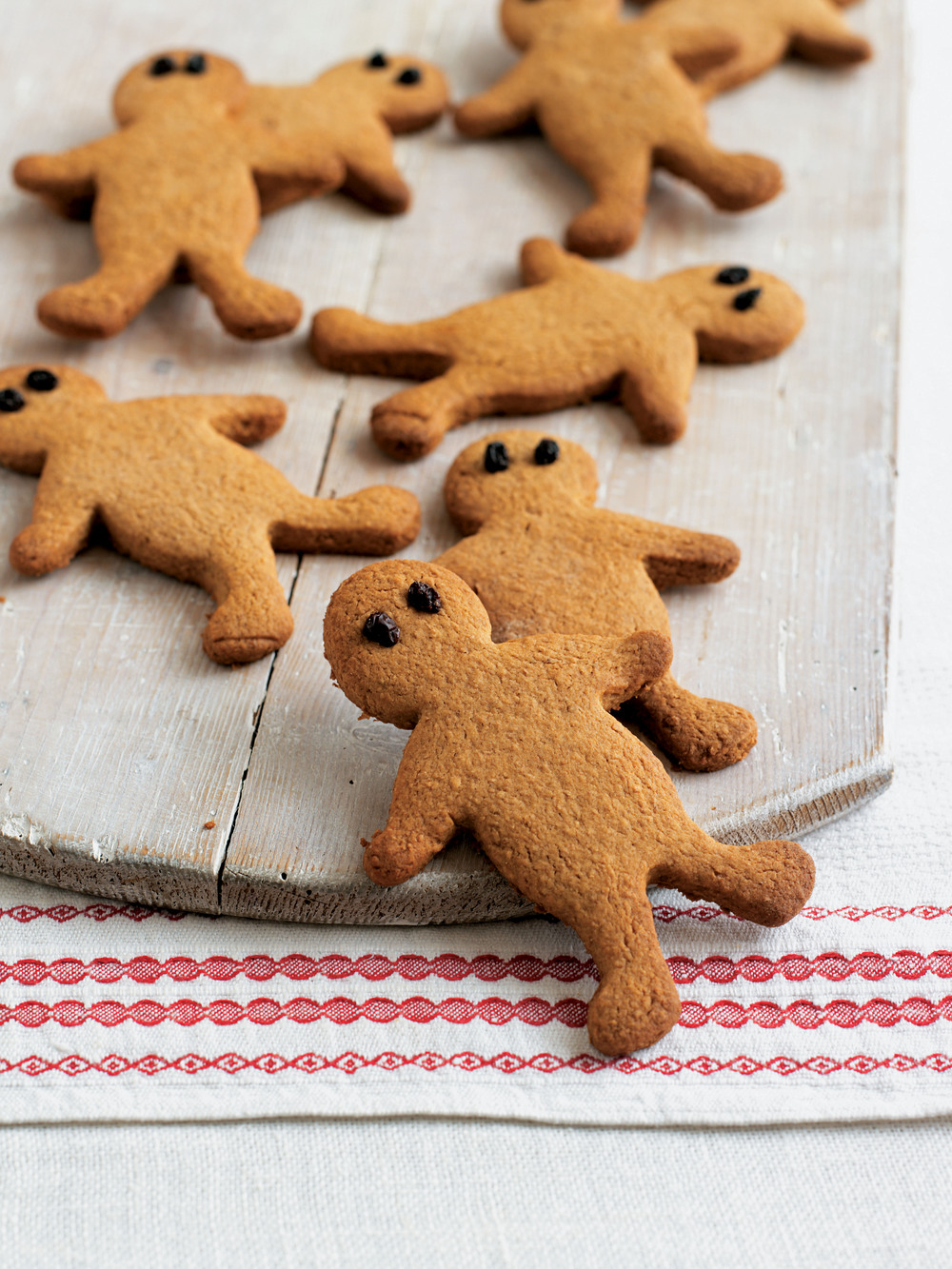 NouCuisine • Gluten-free Gingerbread Men recipe by munsiew