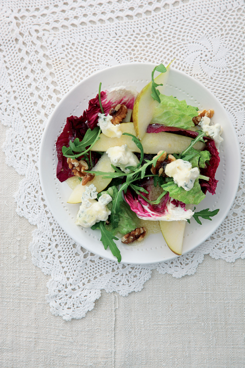 Pear, Walnut and Gorgonzola Salad - AOL Living UK