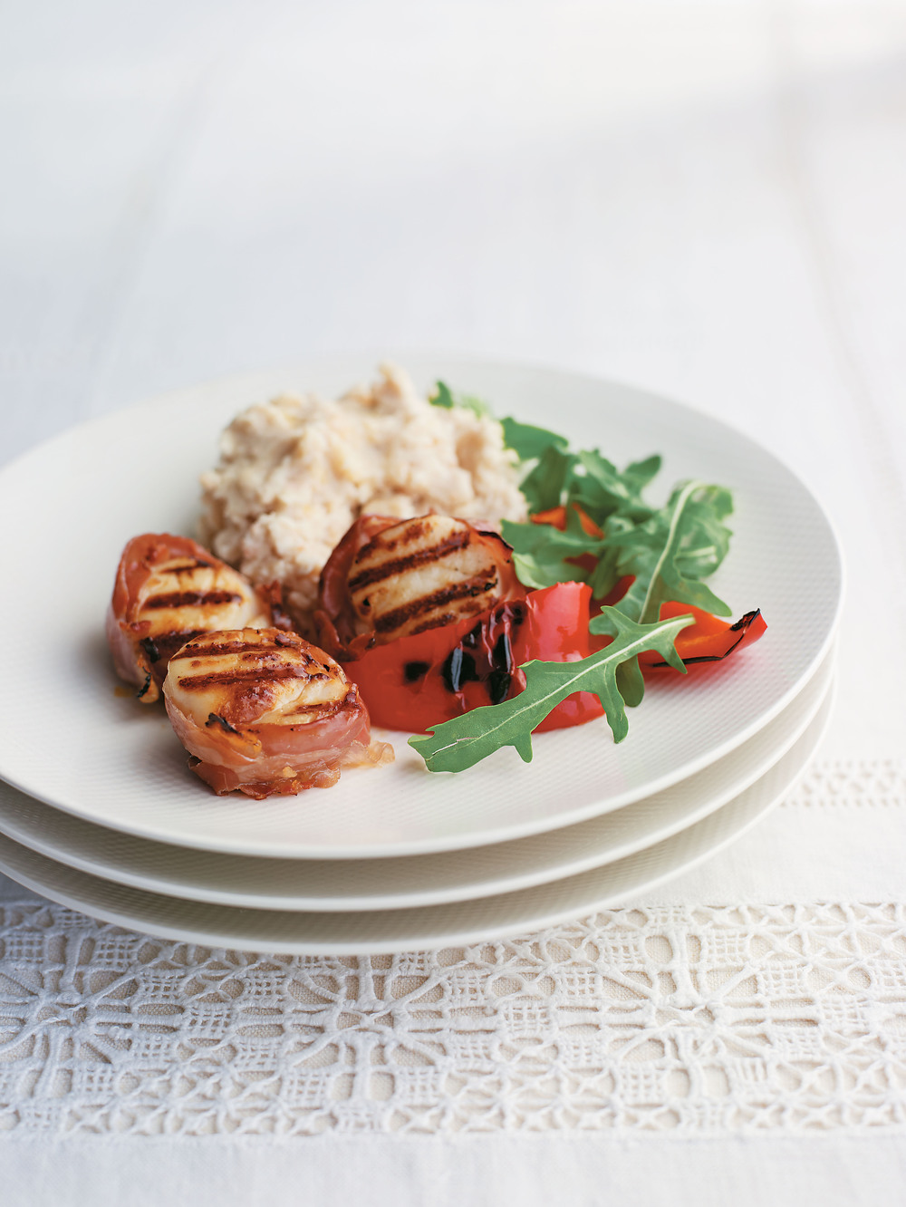 Prosciutto-Wrapped Scallops with Peppers and Bean Mash - AOL Living UK