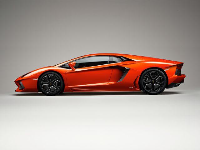 2016 Lamborghini Aventador Pictures