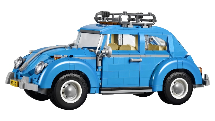 this lego vw beetle is pretty darn neat autoblog. Black Bedroom Furniture Sets. Home Design Ideas