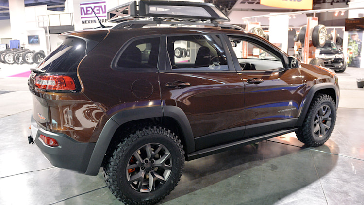 Jeep Cherokee Trail Carver Is A More Rugged Trailhawk