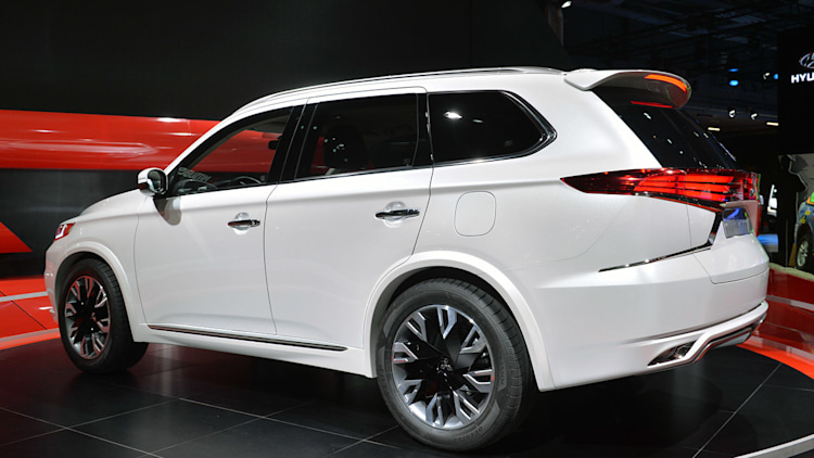 Mitsubishi Outlander Phev Concept S Shows What A Facelift