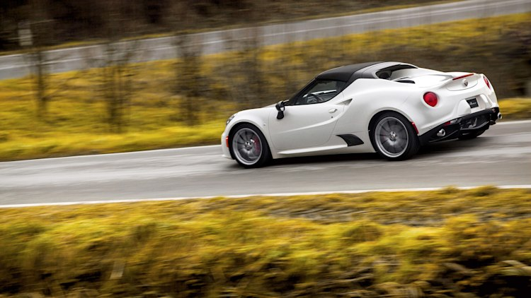 2015 alfa romeo 4c spider doffs its cap in detroit autoblog. Black Bedroom Furniture Sets. Home Design Ideas