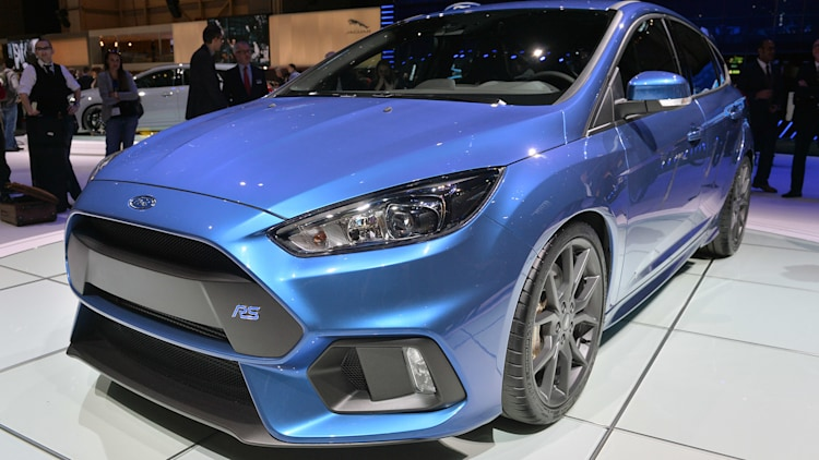 2016 ford focus rs leaps to 62 in 4 7 seconds starts at 36 605 autoblog. Black Bedroom Furniture Sets. Home Design Ideas