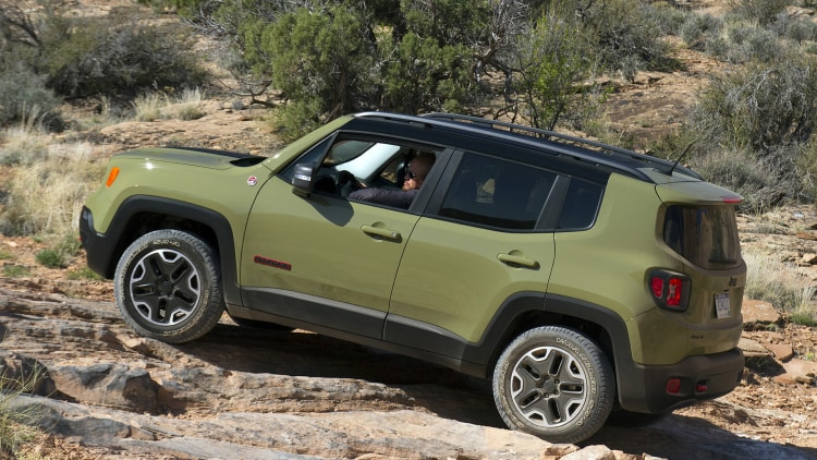 Jeep Certified Pre Owned 2015 Jeep Renegade Trailhawk Photo Gallery - Autoblog