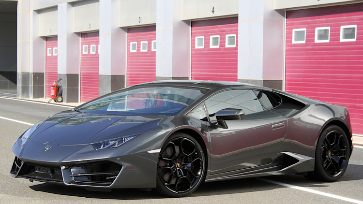 2016 lamborghini huracan lp 580 2 first drive w video autoblog. Black Bedroom Furniture Sets. Home Design Ideas