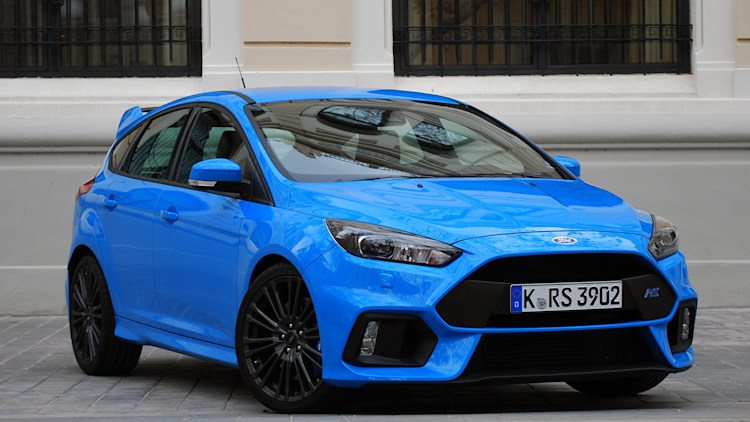 the ford focus rs could spawn a hotter rs500 version autoblog. Black Bedroom Furniture Sets. Home Design Ideas