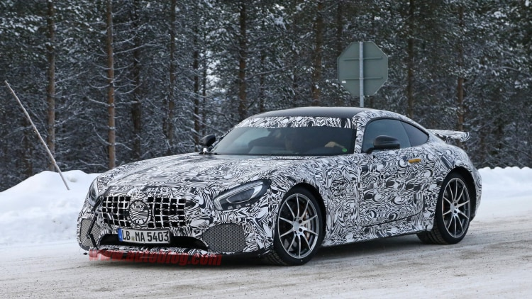 mercedes amg gt r drops some camo out in the cold autoblog. Black Bedroom Furniture Sets. Home Design Ideas