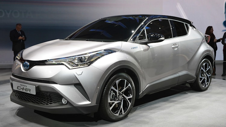 toyota c hr stays sharp from prototype to production autoblog. Black Bedroom Furniture Sets. Home Design Ideas