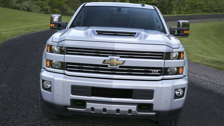 2017 chevrolet silverado hd duramax air intake photo gallery autoblog. Black Bedroom Furniture Sets. Home Design Ideas
