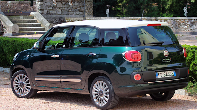 2015 fiat 500l living w video autoblog. Black Bedroom Furniture Sets. Home Design Ideas