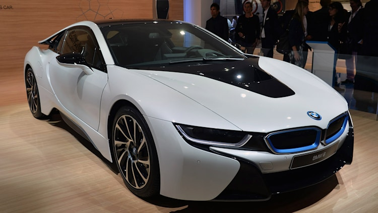 2015 bmw i8 offers you a fast ride to the future for 135 700 w video autoblog. Black Bedroom Furniture Sets. Home Design Ideas
