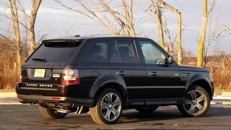 review 2010 range rover sport supercharged brings the adventure home autoblog. Black Bedroom Furniture Sets. Home Design Ideas