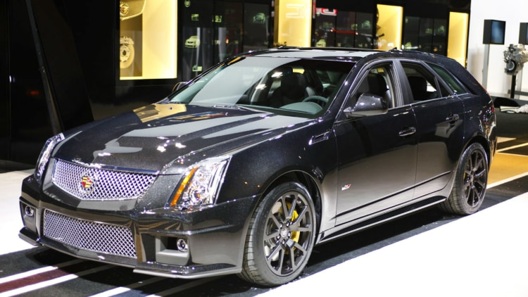 chicago 2011 2011 cadillac cts v sport wagon black diamond edition is drool worthy darkness. Black Bedroom Furniture Sets. Home Design Ideas