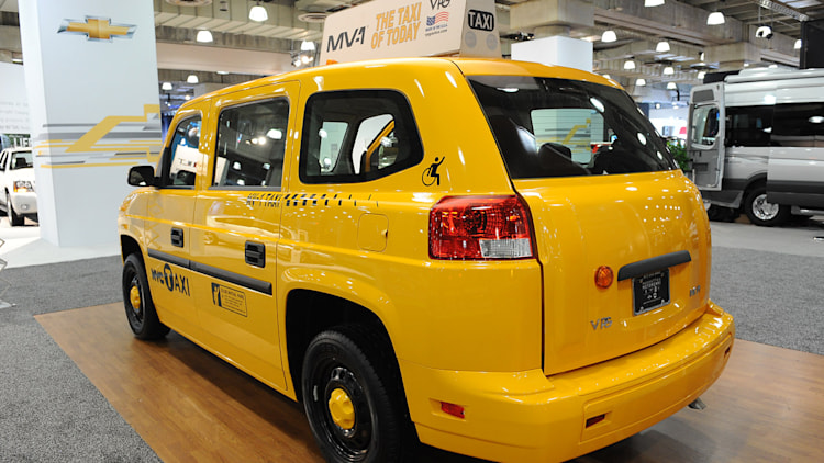 how a new york cabby can get an mv 1 taxi for just 11k autoblog. Black Bedroom Furniture Sets. Home Design Ideas