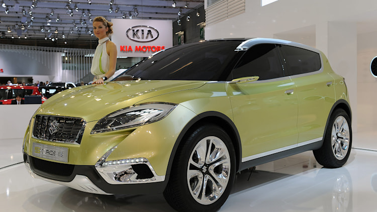 suzuki sallies forth with new c segment crossover with fishy s cross concept autoblog. Black Bedroom Furniture Sets. Home Design Ideas