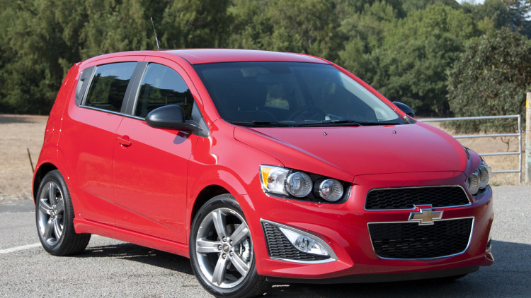 chevy recalls 317k sonic trax and spark over key chime autoblog. Black Bedroom Furniture Sets. Home Design Ideas