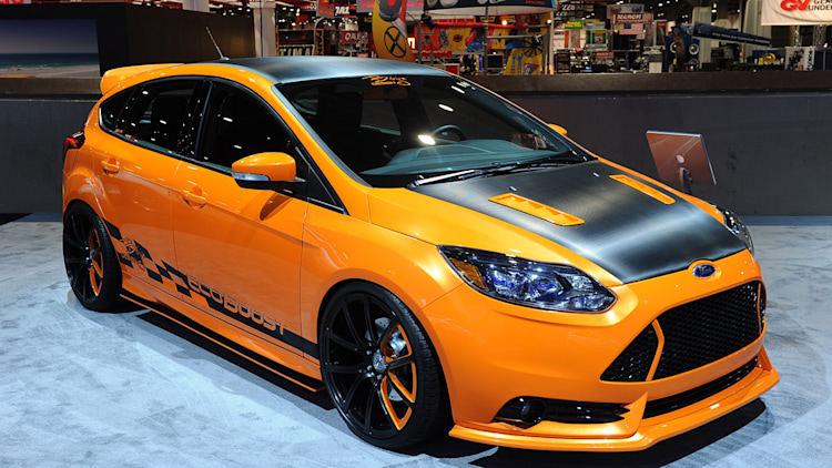 ford focus st makes presence known with five custom cars in vegas autoblog. Black Bedroom Furniture Sets. Home Design Ideas