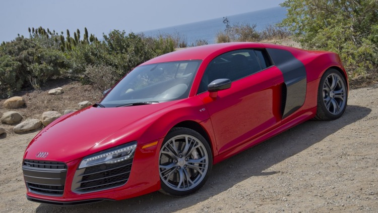 2014 audi r8 v10 plus autoblog. Black Bedroom Furniture Sets. Home Design Ideas