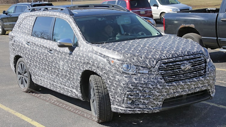 2018 subaru ascent three row crossover suv spotted showing off its shape autoblog. Black Bedroom Furniture Sets. Home Design Ideas
