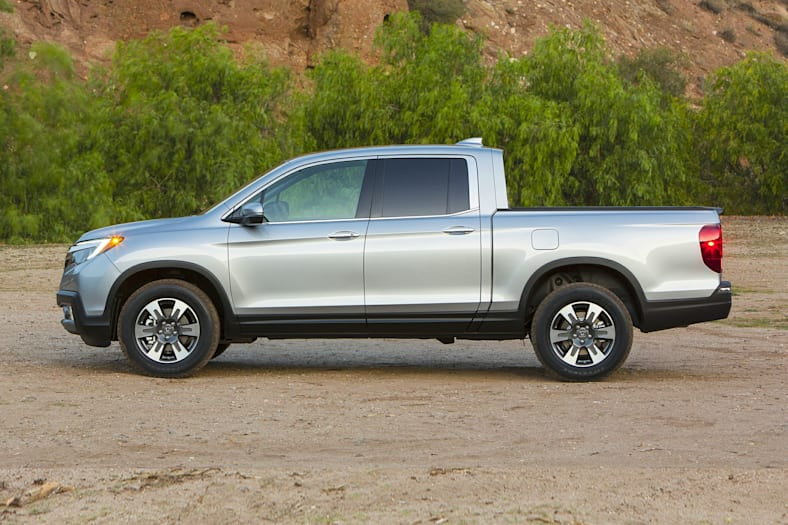 2017 honda ridgeline pictures. Black Bedroom Furniture Sets. Home Design Ideas