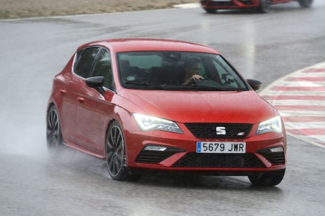 first drive seat leon cupra 300 aol uk cars. Black Bedroom Furniture Sets. Home Design Ideas